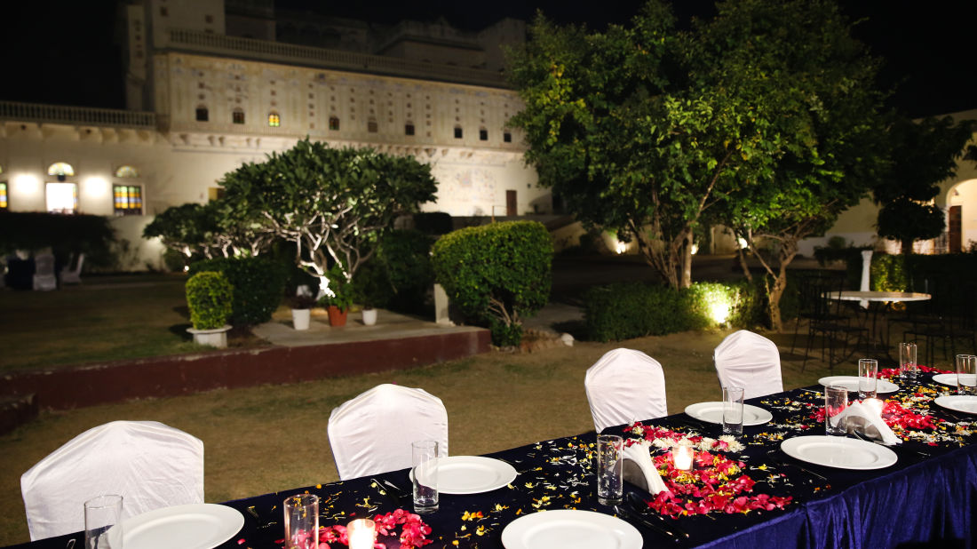 Outdoor Dining at Bara Bungalow Kalwar, Jaipur, Restaurant in Kalwar