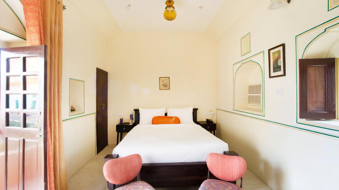 Superior Room at Bara Bungalow Kalwar, Jaipur 3, Jaipur rooms, Stay in Jaipur