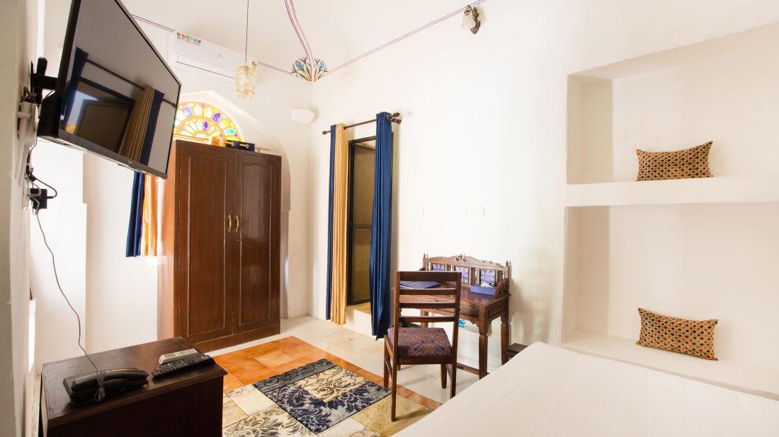 Superior Room at Bara Bungalow Kalwar, Jaipur 5, Jaipur rooms, Stay in Jaipur