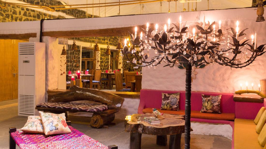 Lobby Sitting area, Rosa Bandhavgarh Meadows Tiger Safari Lodge 7