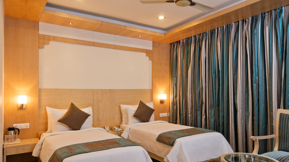 Super Deluxe Rooms_Hotel Southern Grand Vijayawada, hotel rooms near Vijayawada railway station, budget hotel in Vijayawada111