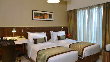 Superior Room at Residency Sarovar Portico Mumbai 3
