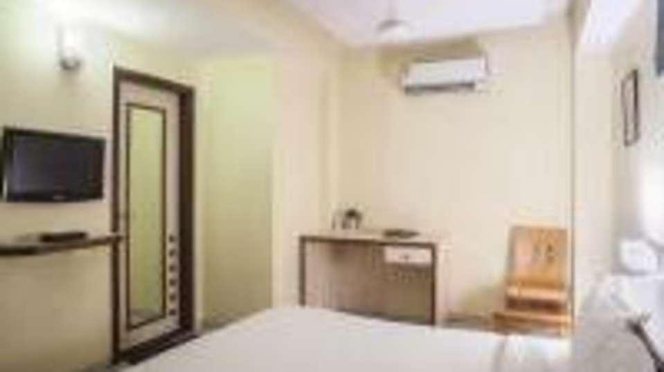 Hotel Marc Inn Jaipur 201311021407468707 Hotel Marc Inn Deluxe Room Image2 room
