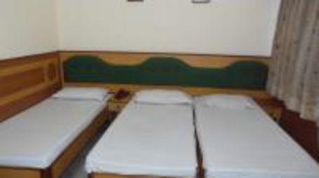 Hotel Taj Plaza Agra Triple Bed Room 2 room