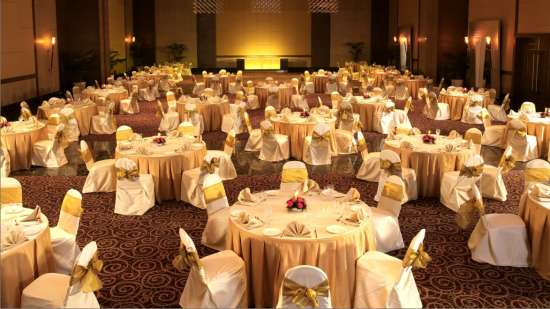 destination wedding in Mumbai, The Retreat Hotel and Convention Centre Madh Island Mumbai 11