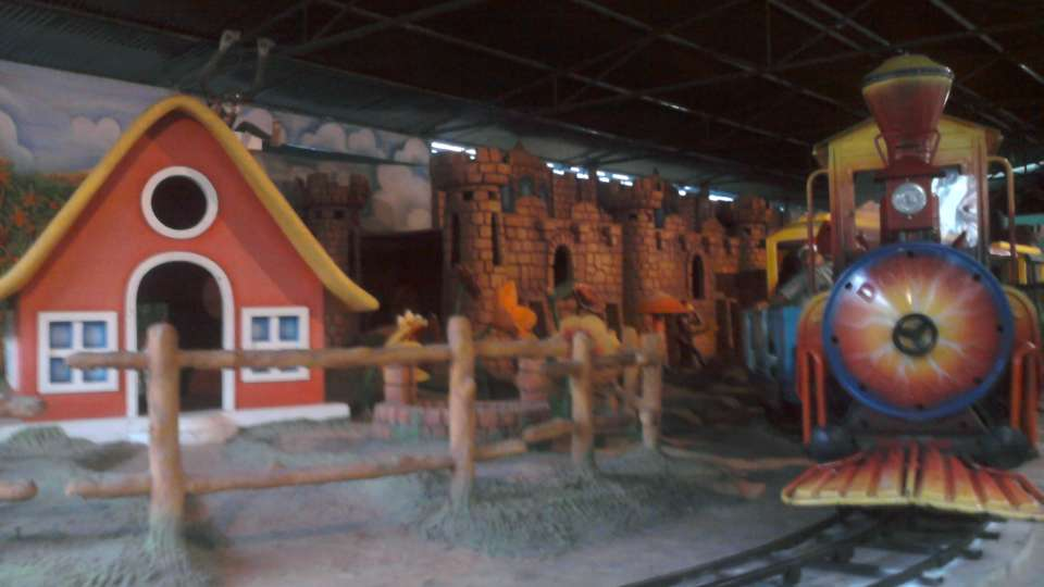 Kids Rides - Mini Express at  Wonderla Amusement Park Bangalore
