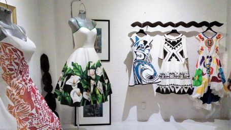 Solana Boutique B&B Zihuatanejo Hand painted indigenous fashion