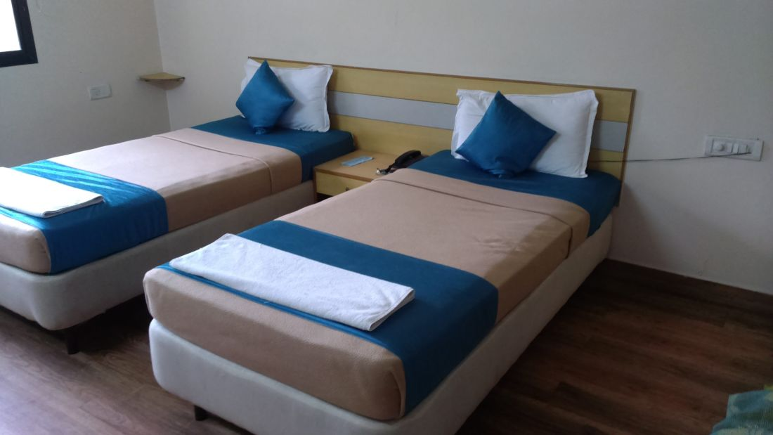 Room Electronic City Hotel Online Suites Bangalore 2