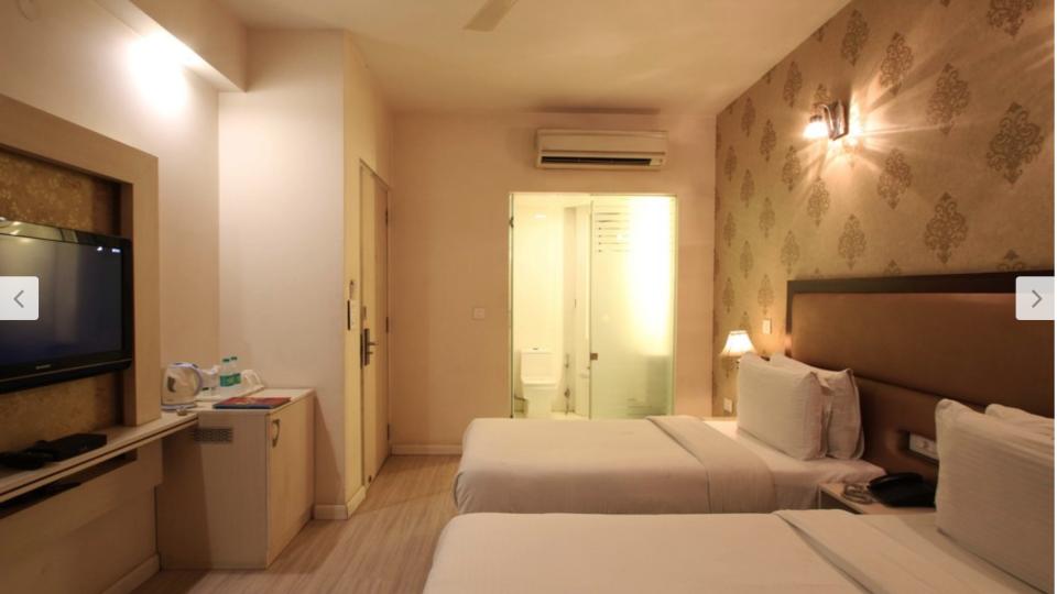 Superior Rooms Emblem Hotels Hero Honda Chowk Gurgaon 2