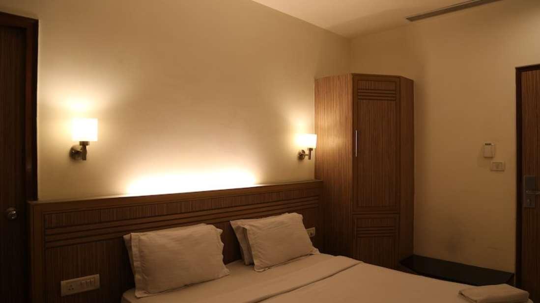 Super Deluxe Hotel Southern Regency Karol Bagh Delhi Paharganj Hotels 1