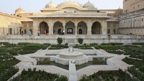 Amber Fort Nirwana Hometel Jaipur