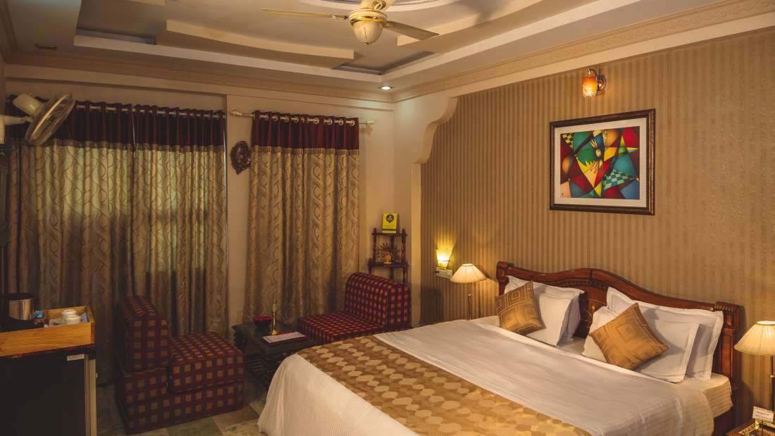 Super Deluxe Rooms at Hotel Meenakshi Udaipur 2
