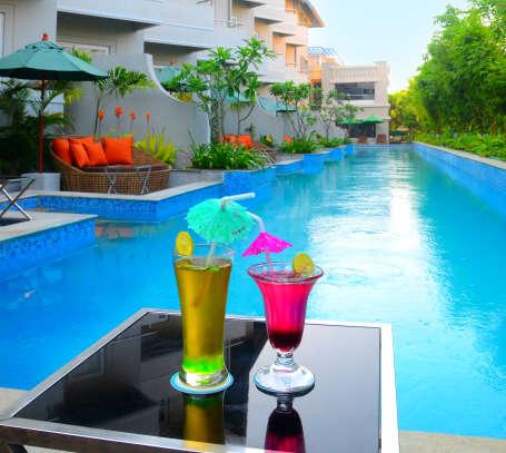 Swimming Pool, Pramod Convention & beach Resort Puri
