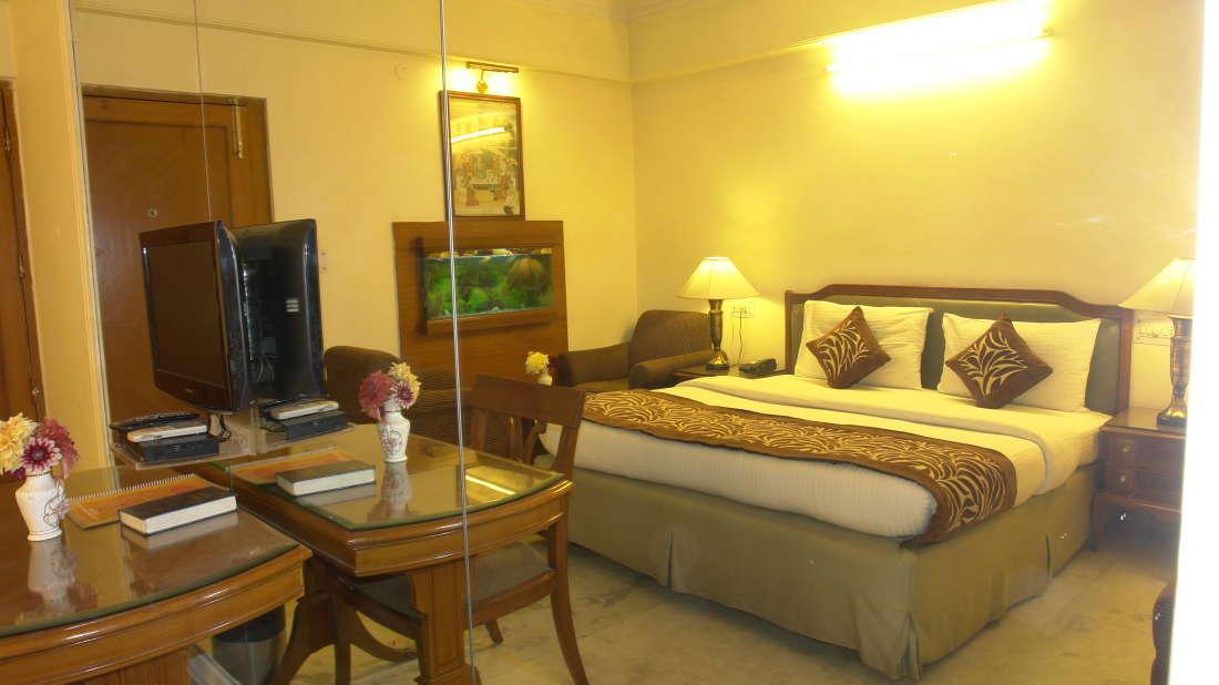 Hotel Hari Piorko New Delhi Deluxe Room Hotel Hari Piorko Delhi 6