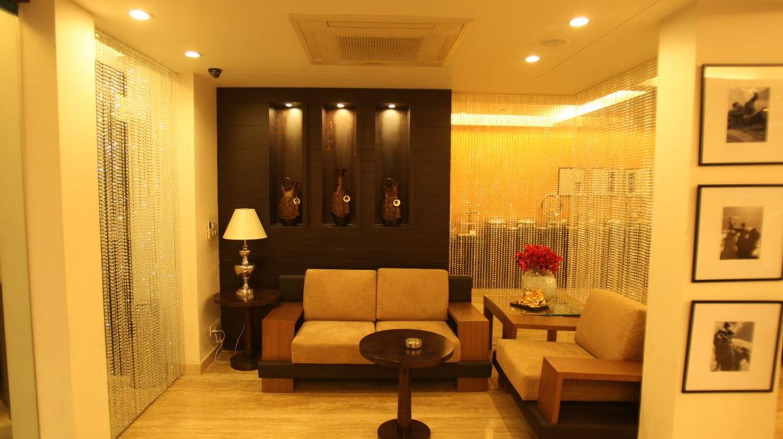 Emblem Hotel, New Friends Colony, New Delhi Delhi Seating Emblem Hotel New Friends Colony New Delhi