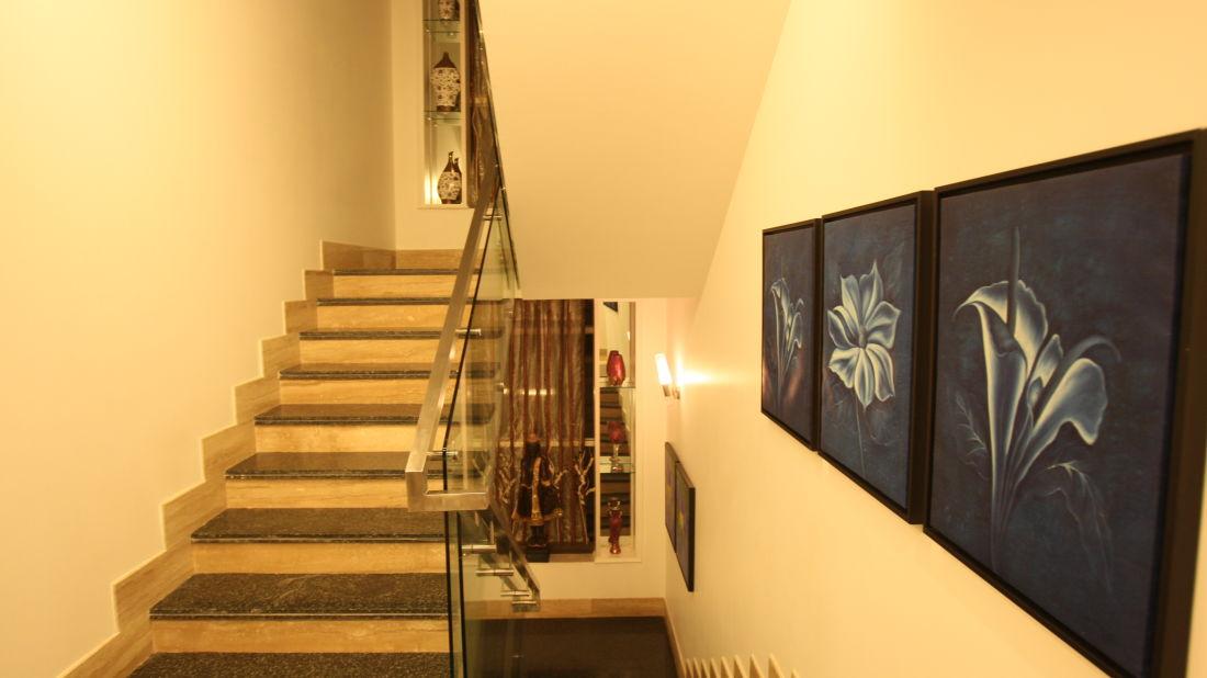 Emblem Hotel, New Friends Colony, New Delhi Delhi Staircase 2 Emblem Hotel New Friends Colony New Delhi