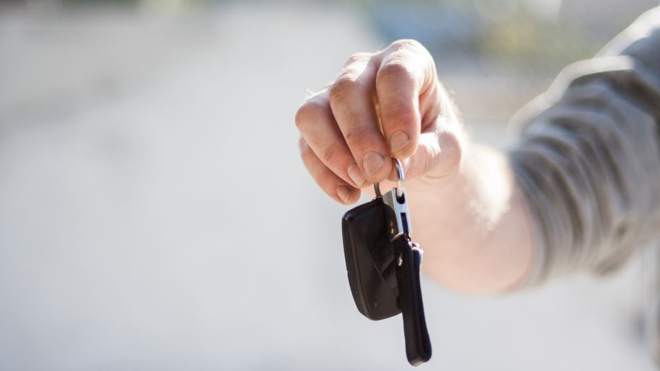 car-driving-keys-repair-97079