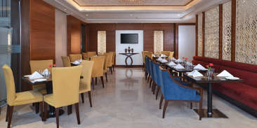 Coffee Shop at at Golden Sarovar Portico Amritsar 3
