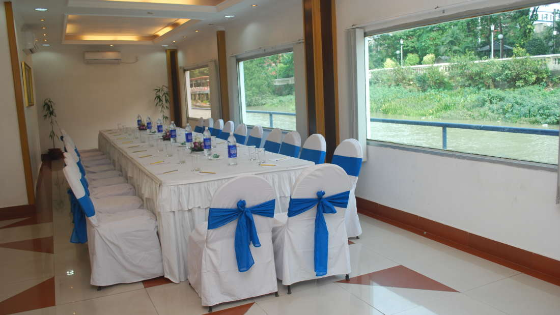Dolphin Room at Floatel Kolkata, Banquets in Kolkata, Conferences in Kolkata 2