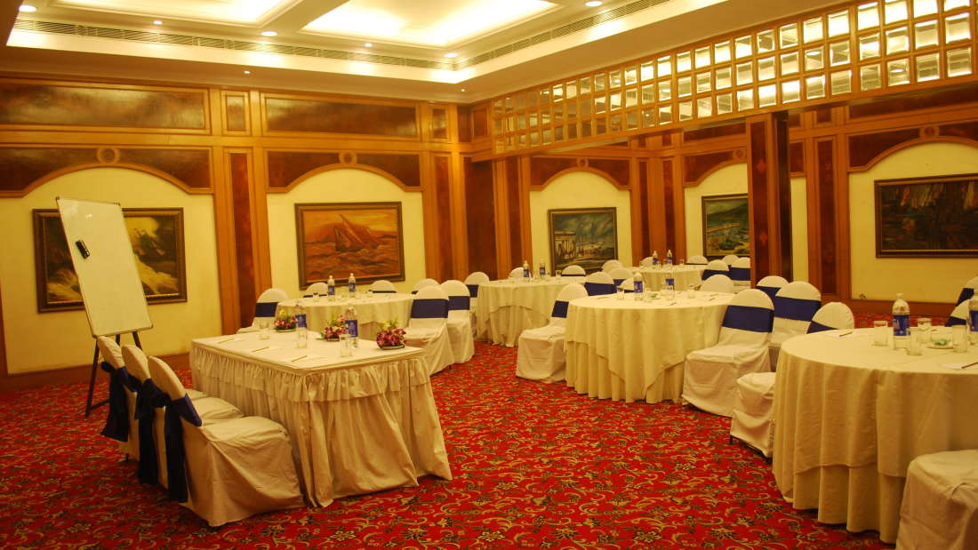 State Room at Floatel Kolkata, Banquets in Kolkata, Conferences in Kolkata 2