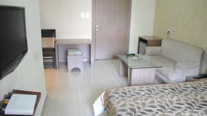 Hotel Swagath, Hazra Road, Kolkata Kolkata Deluxe Room Hotel Swagath Kolkata 5