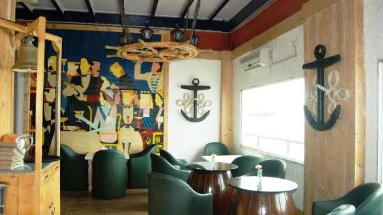 Bar in Kolkata, The Anchorage Bar in Floatel Kolkata, Hotel in Kolkata 2