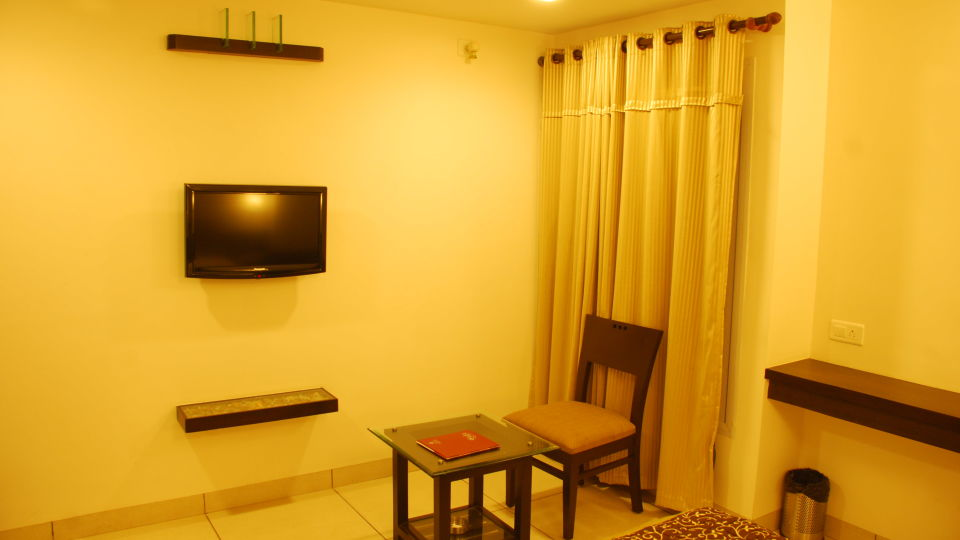 Deluxe Rooms at Grand Ashirwad Beacon Hotel Bhopal 2