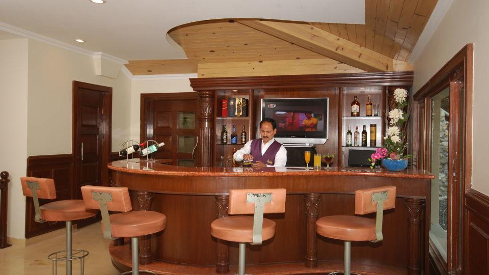 Bar in Mussoorie, Lounge Bar in Mussoorie, Hotel Madhuban Sarovar Portico, Mussoorie