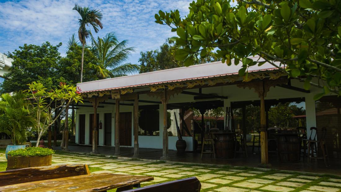 Paanam Bar at Chariot Beach Resort in Mahabalipuram 9