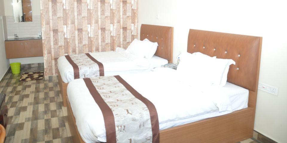 deluxebedroom GKhill 2