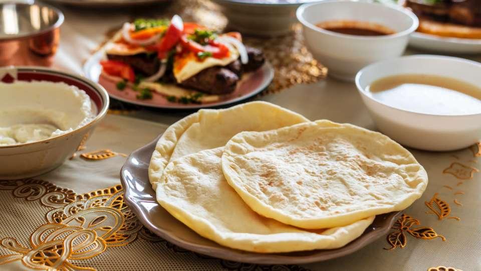 bread-cuisine-delicious-1179803