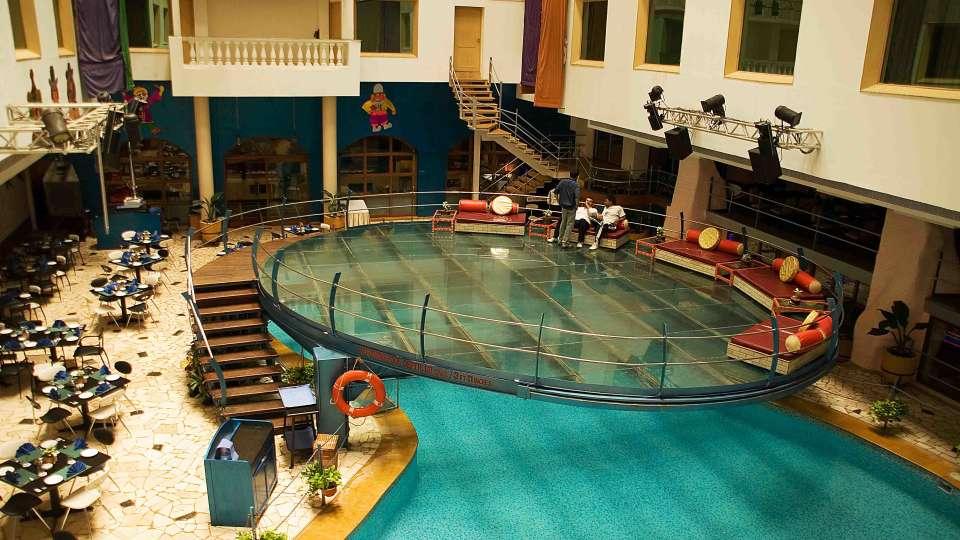 VITS Hotel, Mumbai Maharashtra Poolside Cafe VITS Hotel Mumbai