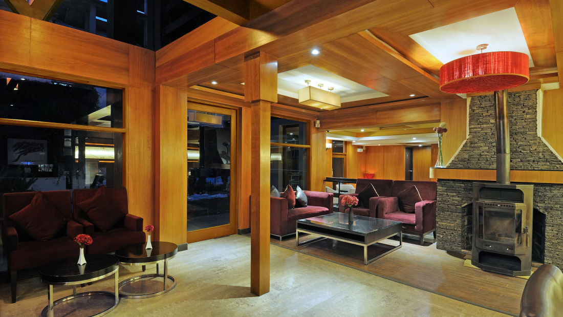 Renest River Country Resort  Manali Lobby view