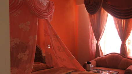 Hotel Ocean Blue, Manali Manali honeymoon suite-2.JPG