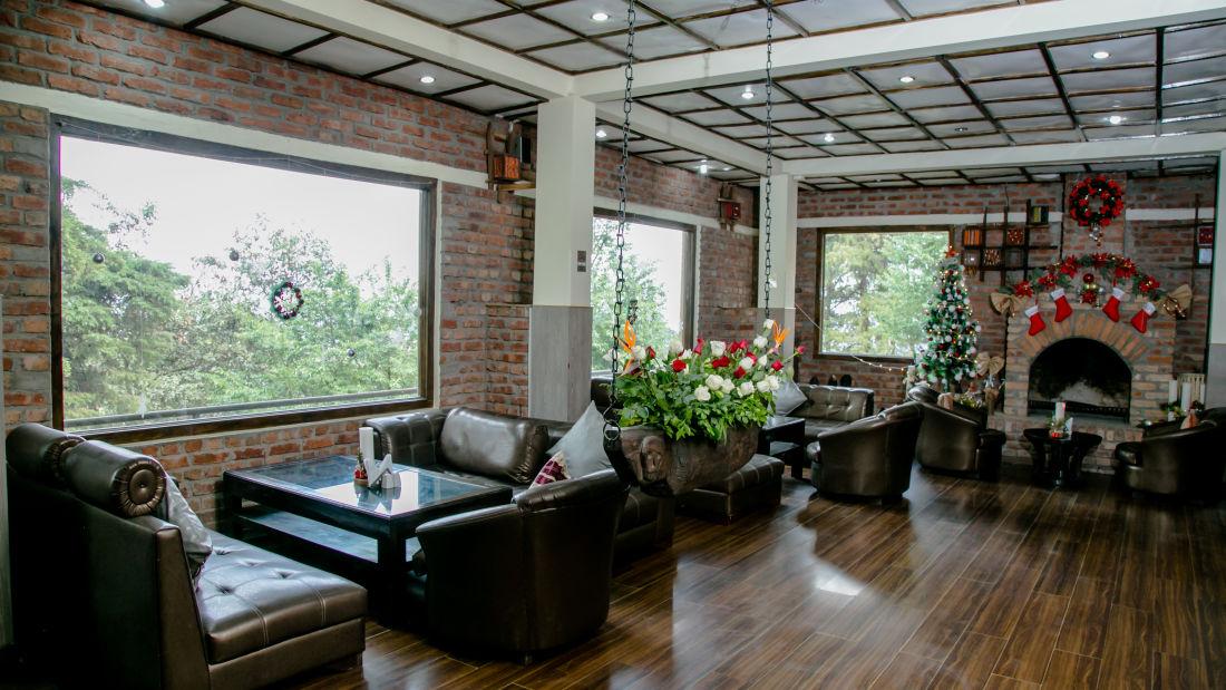 Cafe Lounge 2