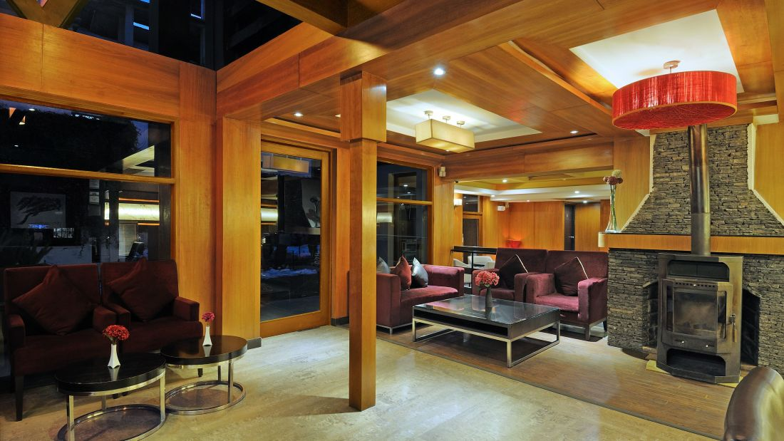 Renest River Country Resort  Manali| Lobby