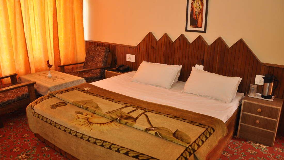 Hotel Natraj, Simsa Village, Manali Manali Deluxe Rooms Hotel Natraj Manali 2