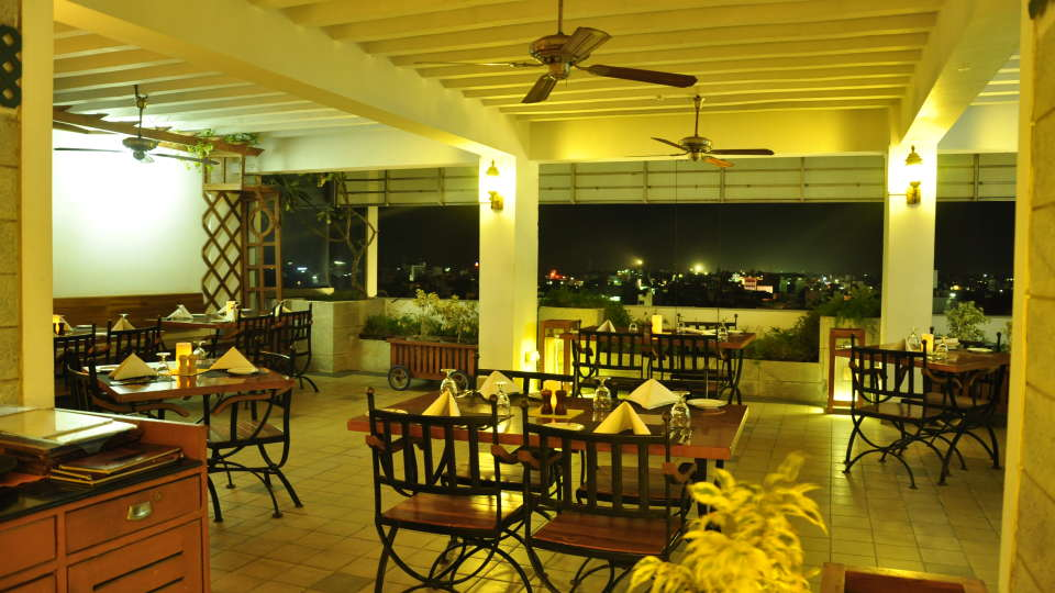 Hotel Atithi, Pondicherry Pondicherry Terrace Gril Barbeque Restaurant Hotel Atithi Pondicherry