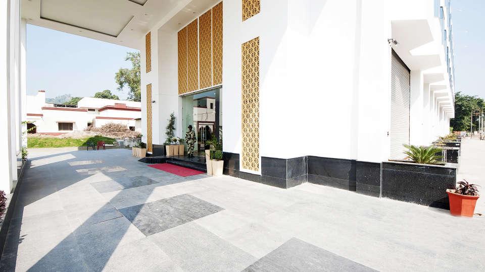 Le ROI Haridwar Hotel Haridwar Facade Le Roi Haridwar Hotel 4