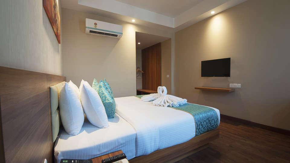 Le ROI Haridwar Hotel Haridwar Premium Room Le Roi Haridwar Hotel 3