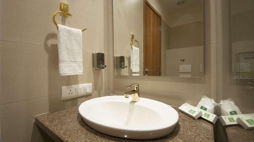 Le ROI Haridwar Hotel Haridwar Premium Room Washroom Le Roi Haridwar Hotel