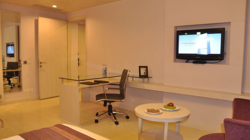 Suite room at Hotel Sarovar Portico Naraina