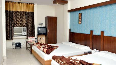 Welcome Group of Hotels, Delhi  Family Suite Hotel Delhi Continental Paharganj Delhi