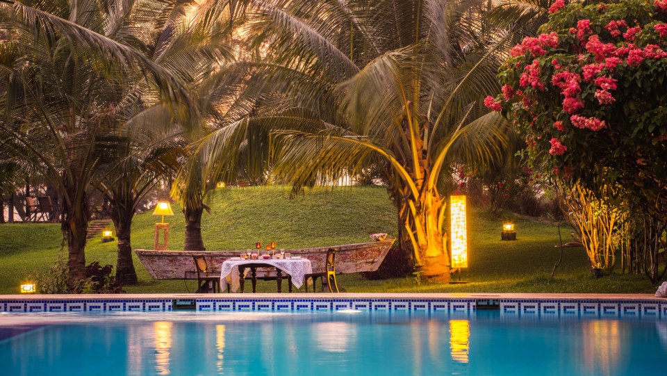 Poolside Dining, Hamsa Villas Goa, Best Resort In Goa