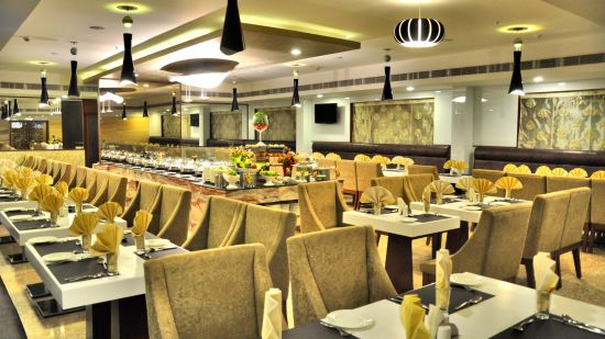 Raj Park Hotel - Chennai Chennai Quintessence Restaurant Raj Park Hotel Alwarpet Chennai 1