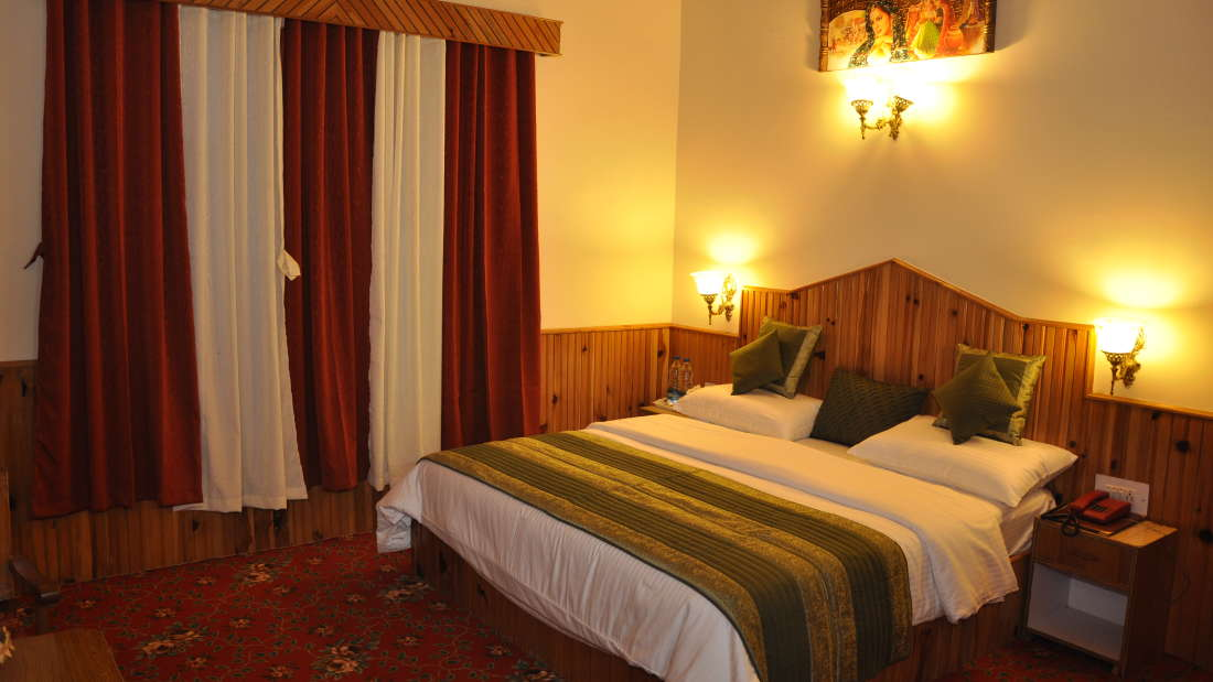 Hotel Natraj, Manali Manali Honeymoon Rooms Hotel Natraj Manali 3