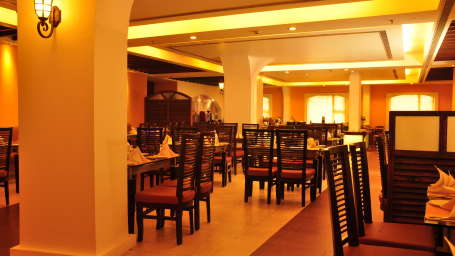 Hotel Atithi, Pondicherry Pondicherry Le boulevard Restaurant Over View Hotel Atithi Pondicherry
