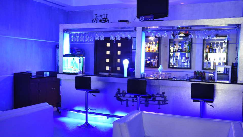Hotel Atithi, Pondicherry Pondicherry Just White Lounge Bar Hotel Atithi Pondicherry