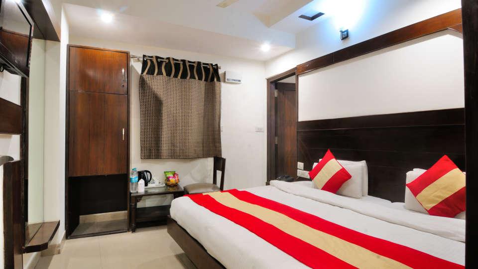 Rooms at Gaylord International hotels 1