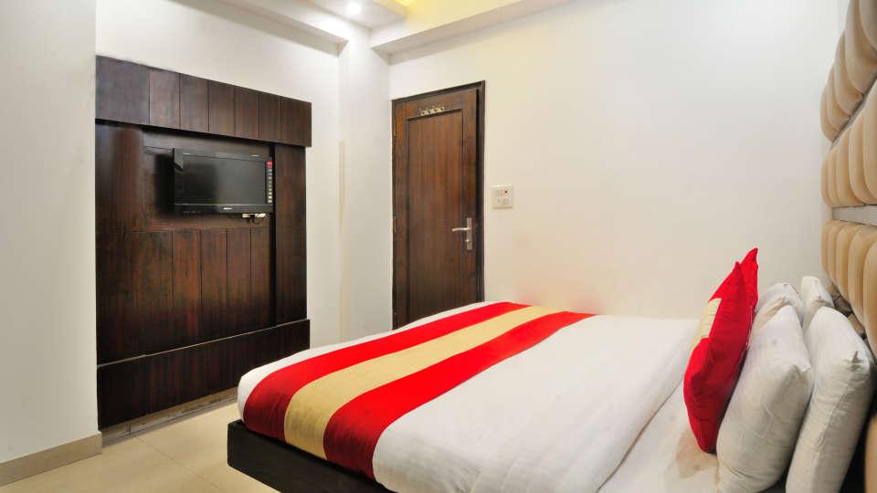 Rooms at Gaylord International hotels 3